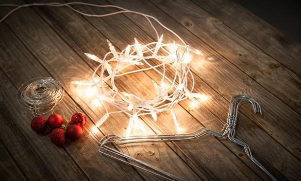 Selbstgemacht: Der Kleiderbügel-Weihnachtsbaum